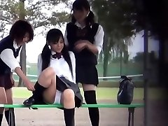 Aasia teismelised piss väljaspool
