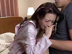 japonês mãe se sente culpada