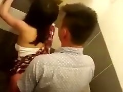 Stagging public toilet Chinese couple fucking