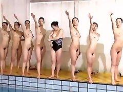 Excelente equipe de natação parece ótimo, sem roupas