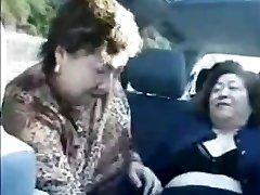Baka azijci u autobusu