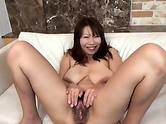 Big-titted model best handjob