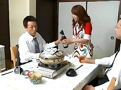 Šéf A Poskoky Manželka Míša Yuki