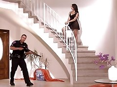 Policajt dostane navyše shift