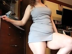 Big Ass in Dress Shaking (Sexy Cellulitis!)