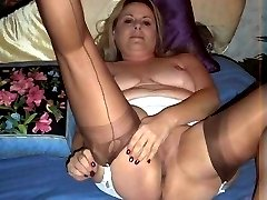 BBW in fully fashioned nylons