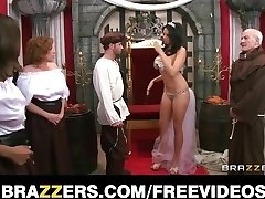 The queen receives caught cheating and is penalized with coarse-se
