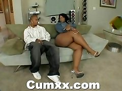 Chunky ass ebony making out with hitachi and