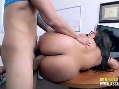 Amateur Thick Teen Tries Porno