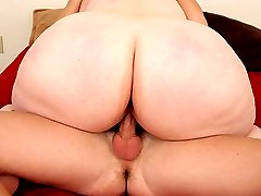 Busty mature plumper filling her pussy with cock