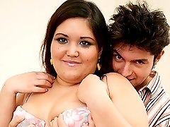 Pretty brunette fatty Lindsey shows a stud her plump ass and receives a deep pussy jousting