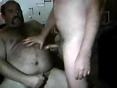 hot hairy man eat and cum
