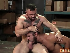 Muscle bear anal invasion and anal cumshot