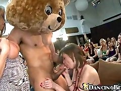 Hungry girls and one lucky otter