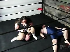 Hefty Mama SSBBW Bearhug Amazon Squeeze wrestling