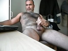 Hunk cum for the cam