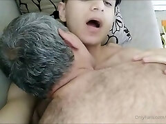 Crispy Dude in a Very Hot Sex Show With Old Man