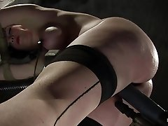 Sybil Hawthorne in Sybil Hawthorne: Retro Beauty Enjoys Pain To Get Off - Frog-tied