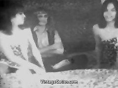 Man Fucks two Sexy Girls (1950s Vintage)