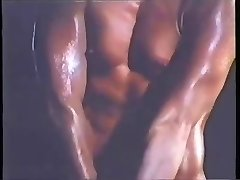 Antique BABE - BODYBUILDER WORKOUT - londonlad