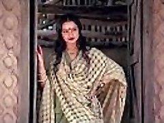 bollywood actress rekha tells how to make hookup