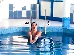 Angelica bella in pool