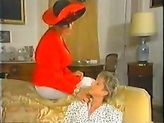 Retro Mature French Mom luvs fisting