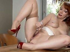 Milf In Naked Nylons Masturbate