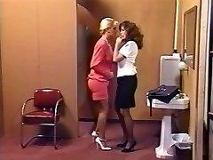 Lacy Rose & Debi Diamond : 2 Crazy Pigs - 1 Cord On