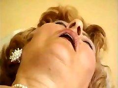 Classic Granny Video R20