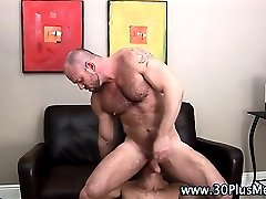 Muscly bear slams studs ass