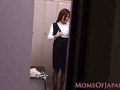Solo japanese milf using vibrator to climax