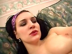 Arab bitch enjoys her pussy lubricious