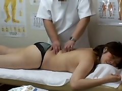 Medical voyeur massage vid starring a plump Asian wearing black undies