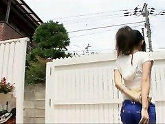 Spēlē netīri ar sexy Yui Komine