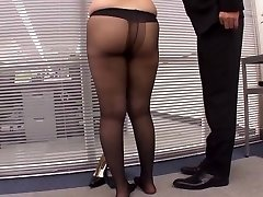 Voluptuous Gams Straight No Panties Pantyhose