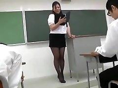 纪樱井-性感的日本老师1