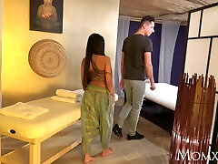 MOM Thai massage and passionate sex with mischievous Asian Cougar