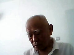 Chat with  chinese older duo