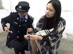 chinois de la adolescent fille à la prison part2