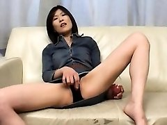 Kasumi Ito arouses pussy with wand and fellates cock and