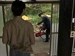 JPN Facteur et d'une femme au foyer