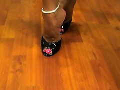 Hot Wife Asia Steaming Legs and High Heels