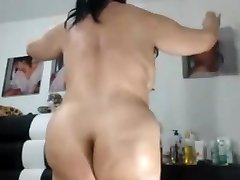 SEXY  ASIAN  Granny LIKES TO SHOW HER CHUBBY Rump AND PUSSY
