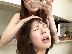 asian girls use each others slaver as shampoo