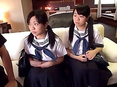 Schoolgirl Three Way - JapansTiniest