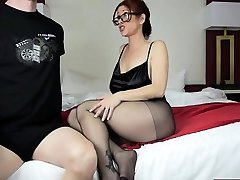 Hot mom footjob and pop-shot