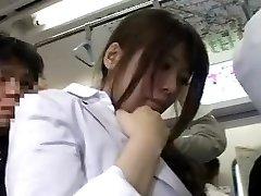 【JAV】満員電車で痴漢されてイク女