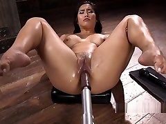 Yam-sized Ass Solo Asian Hottie Smashes Machine