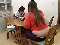 Fat Chinese broad enjoys dicking